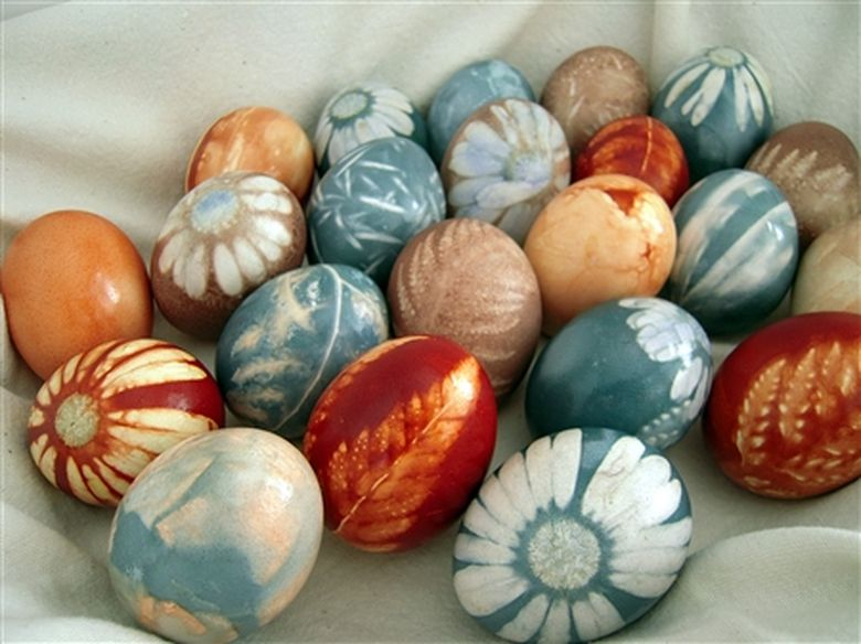 naturally dyed coloured easter eggs